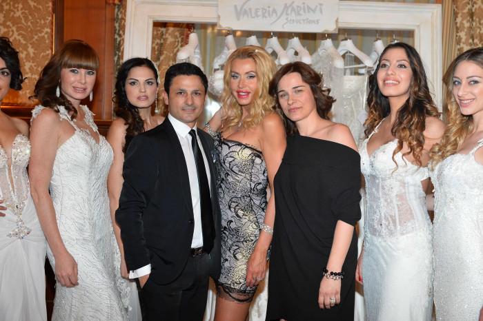 Gino Signore, Valeria Marini e Vittoria Foraboschi con alcune modelle
