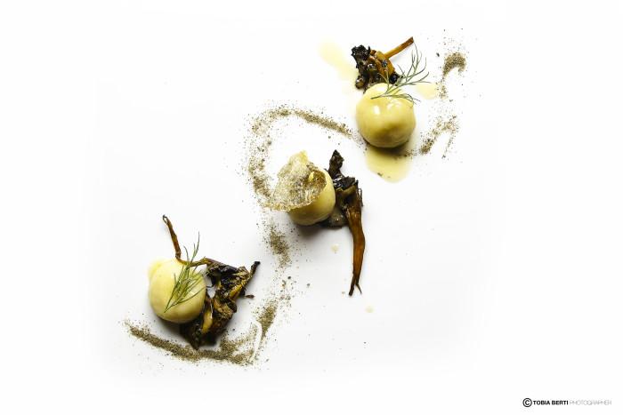 Gnocchi di patate ripieni di Baccalà liquido con cantarelli e polvere di capperi_ricetta vincitrice edizione 2014